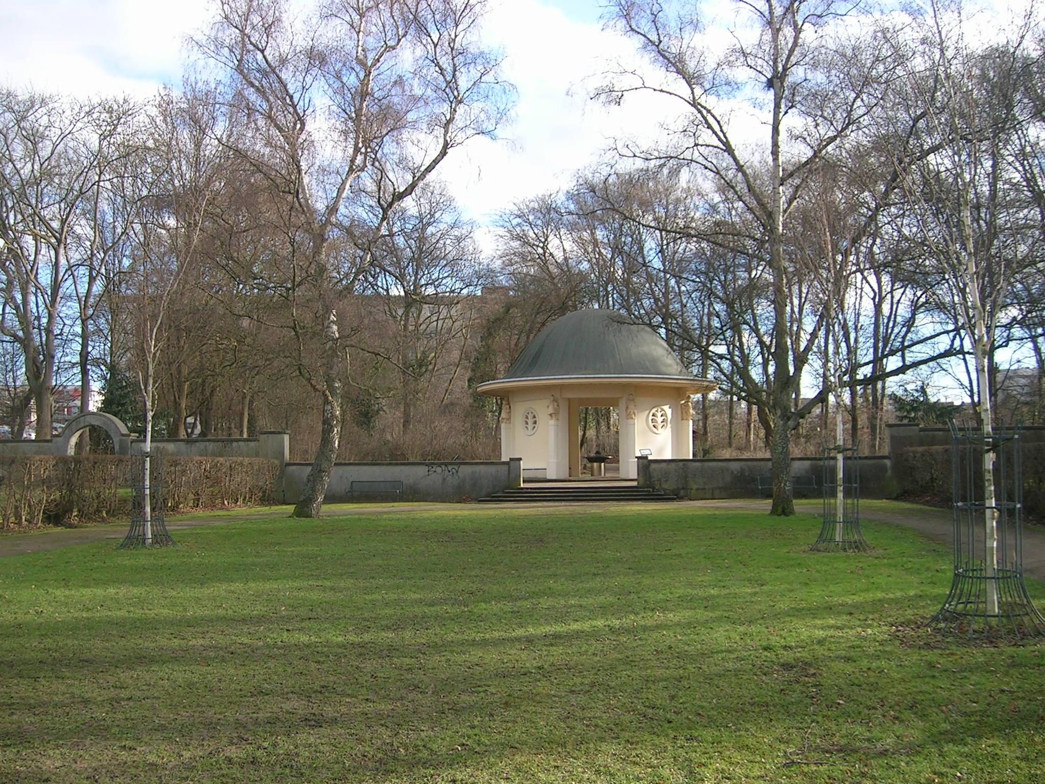 2014 BrunnentempelchenVolkspark
